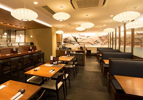 寿司食べ放題の祭雛 ヨドバシ横浜店の内観